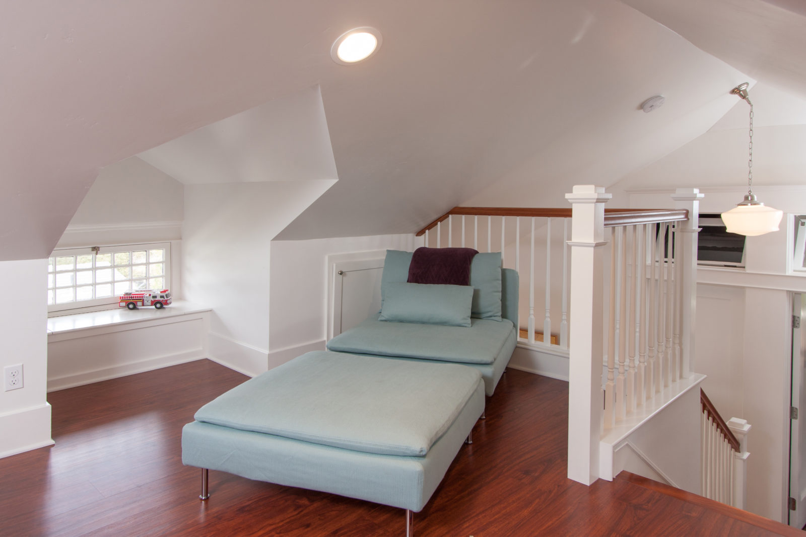 Attic Room With Chaise Lounge
