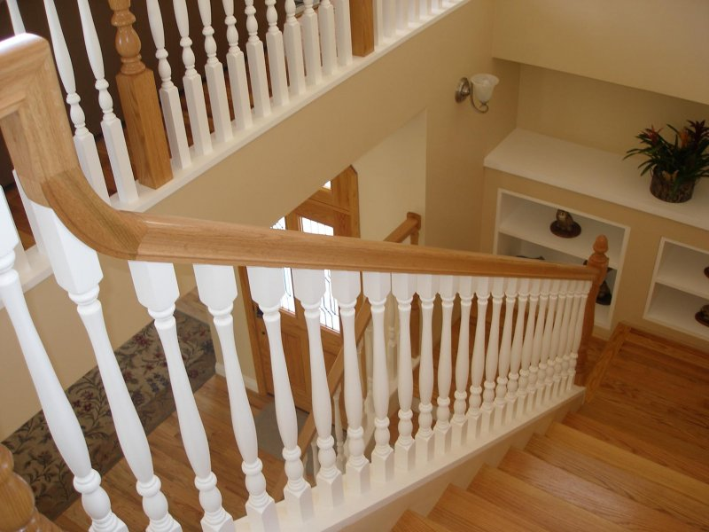 Traditional Colonial Style Staircase
